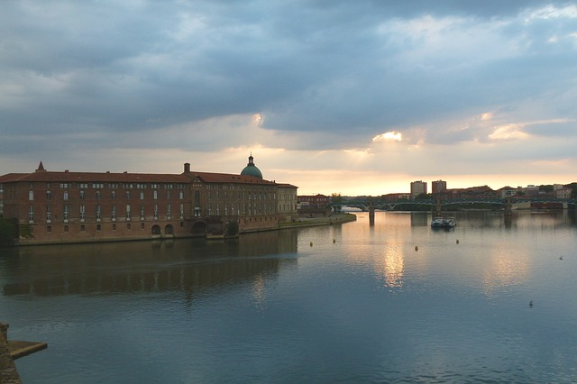 toulouse-sky